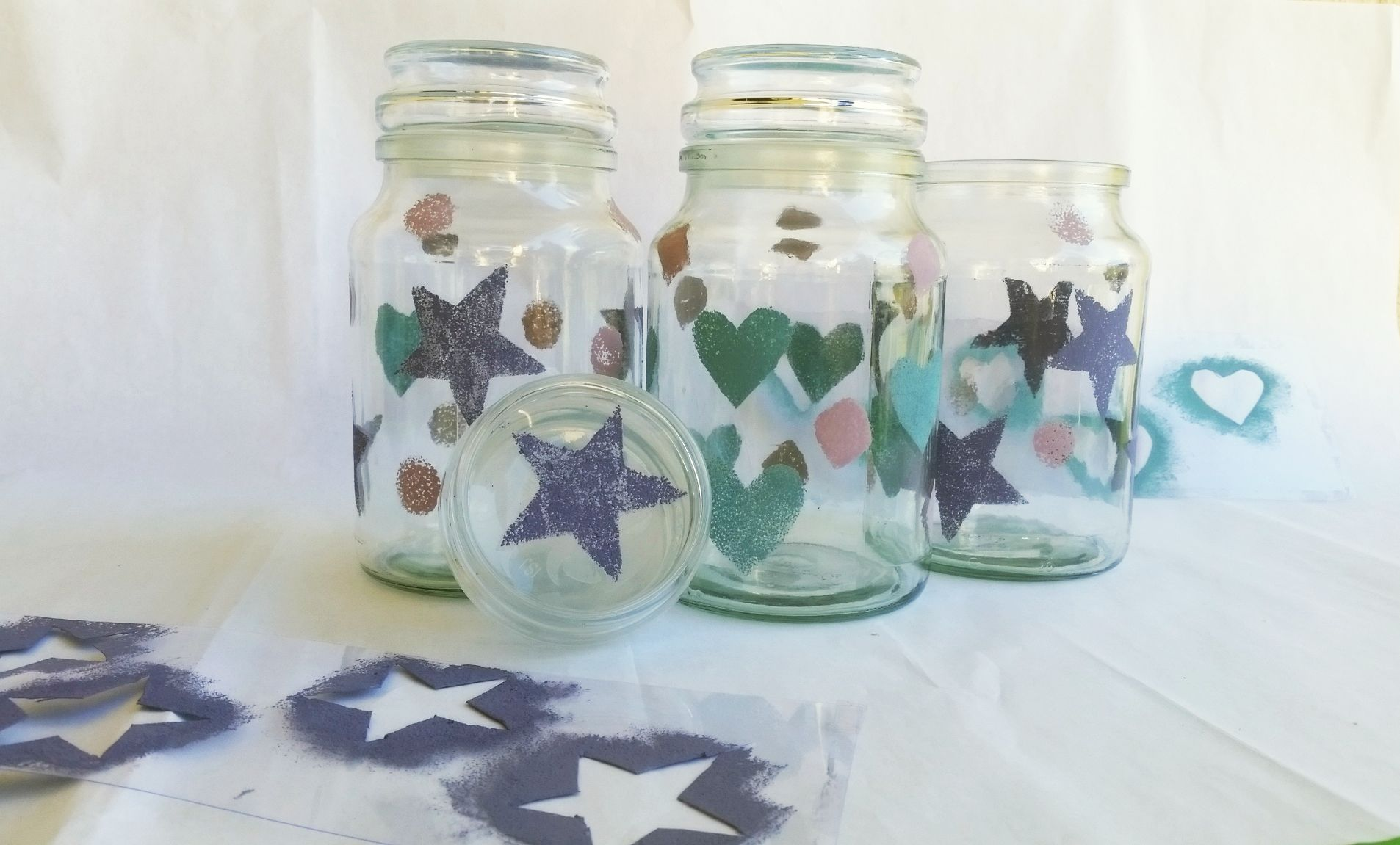 Make your own christmas decorations from recycled bottles for Christmas glass jar decorations